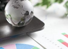 地球儀とグラフ